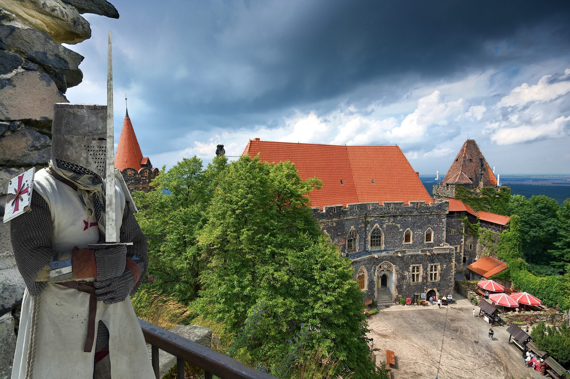 Grodziec castle, poland, history, local driver, tour in english